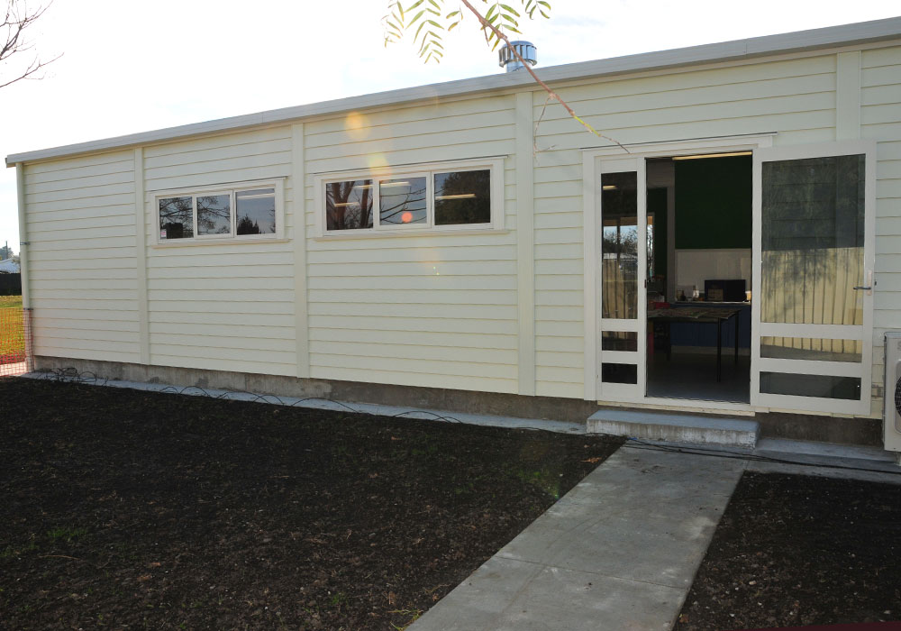 Lucknow School outside – Design & Build Classroom - Waipukurau Construction